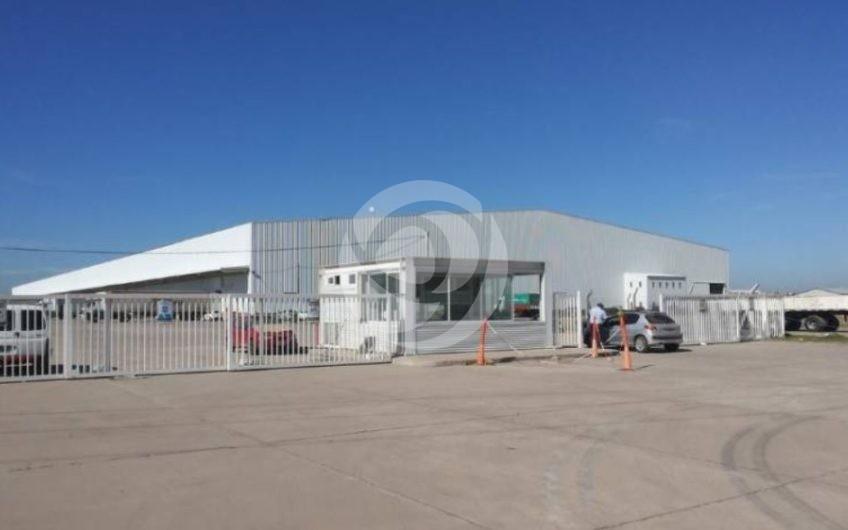 Excelente Depósito en Alquiler en El Parque Industrial Metropolitano